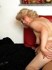 Getting some hot loving from a sexy grandma with a great body that wants dick inside it
