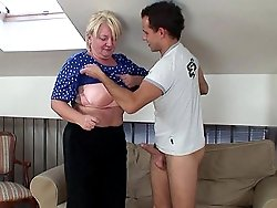 He slips between her mature tits and then he fucks her pussy until he wants to cum hard