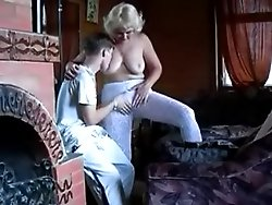 Cock hungry mature cunt loves it when a young dick bangs her hard